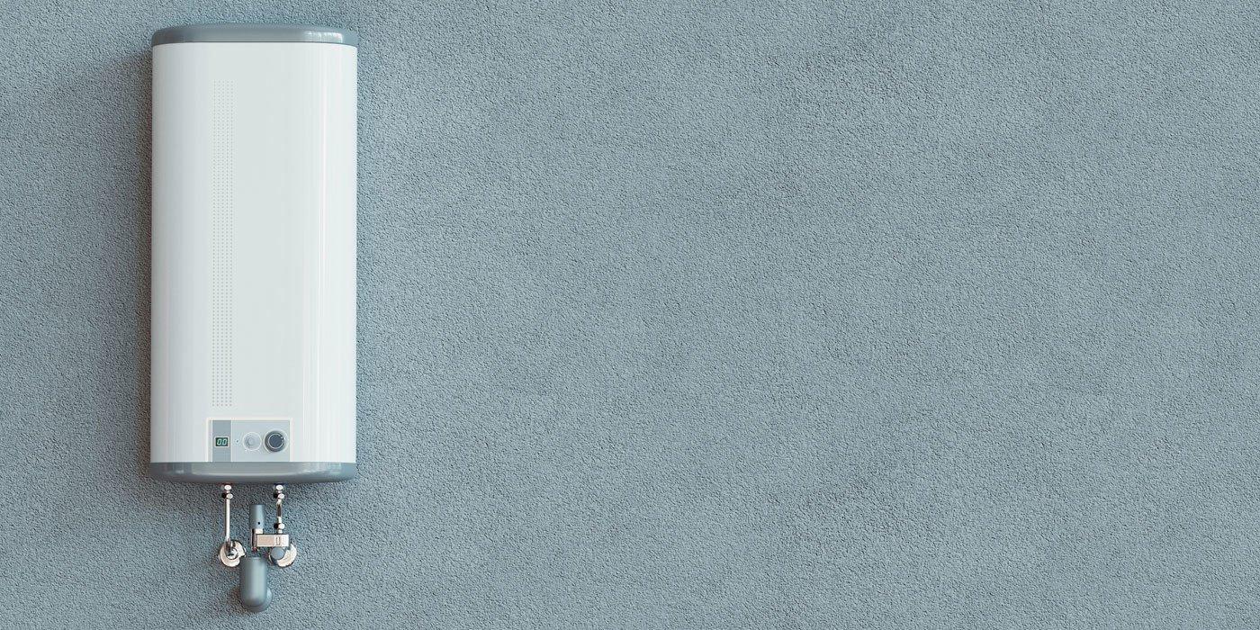 Ein Durchlauferhitzer an einer grauen Wand