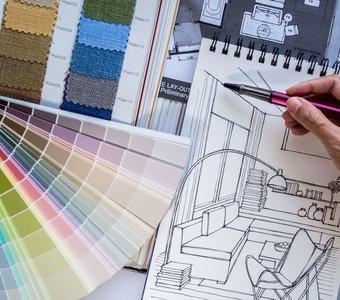 Skizze eines Innenarchitekts, Stoffmuster und Farbkatalog für eine gezielte Inneneinrichtung