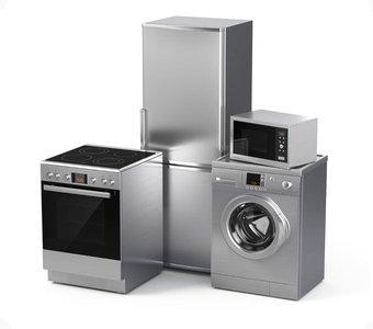 Herd, Kühlschrank, Waschmaschine und Mikrowelle im Edelstahl-Design