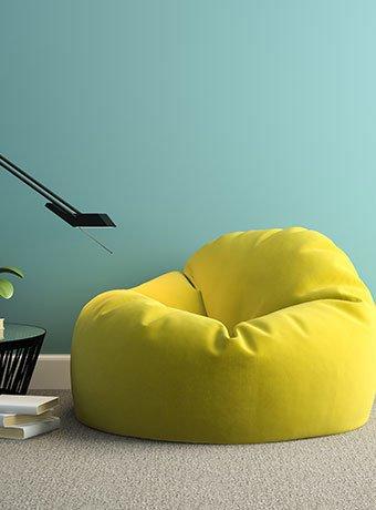 Aufnahme eines gelben Sitzsackes