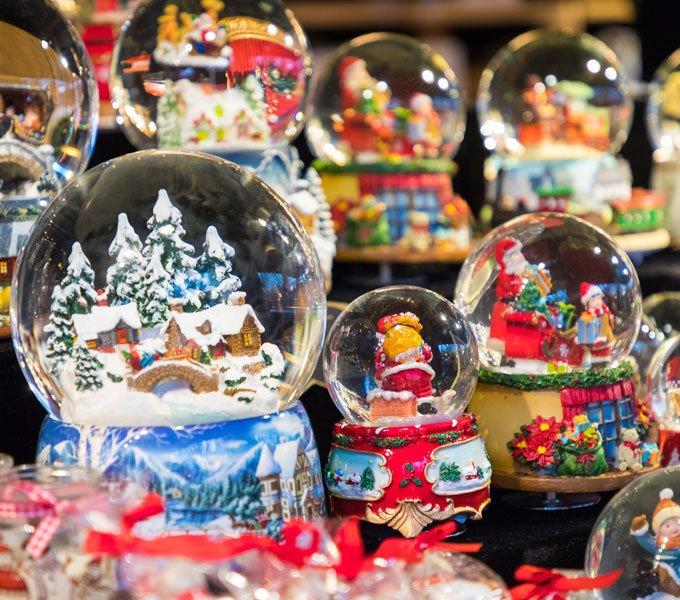 Schneekugel Geschenk München Münchner Kindl Andenken Glaskugel mit Schnee