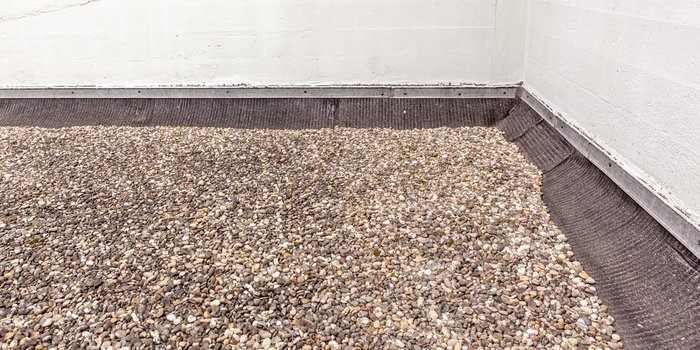 Alternative Form der Dacheindeckung mit Kieselsteinen