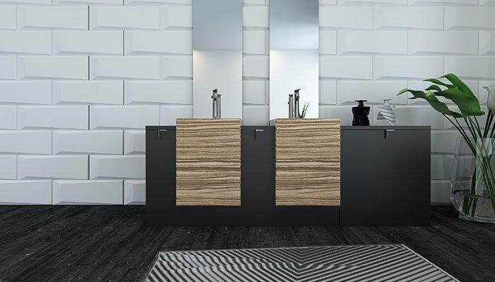 Aufnahme eines Badezimmers mit einem modernen Doppelwaschtisch.