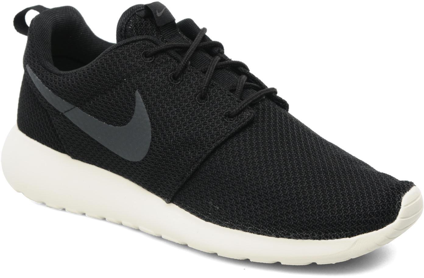 Nike Roshe One Men Sneaker